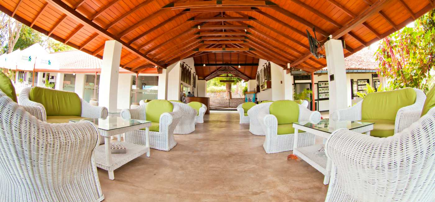 Spacious Lobby Area at Victoria Golf & Country Resort